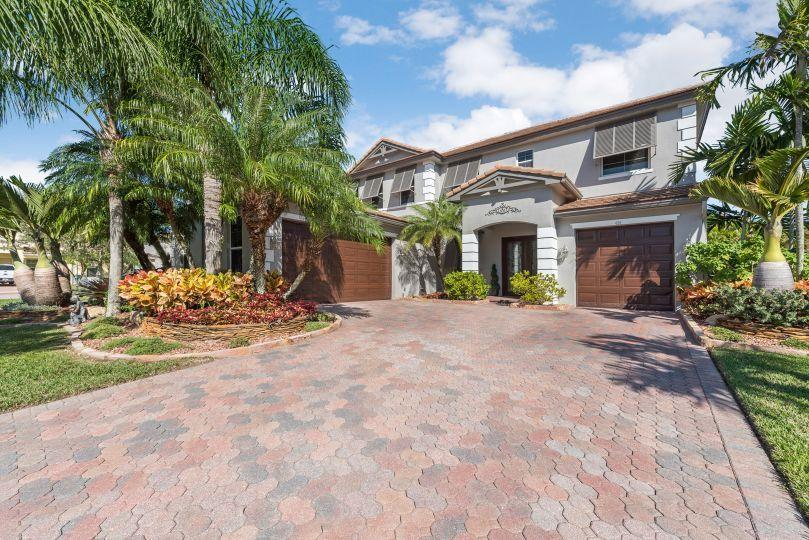 424 Saint Emma Drive Royal Palm Beach, FL 33411