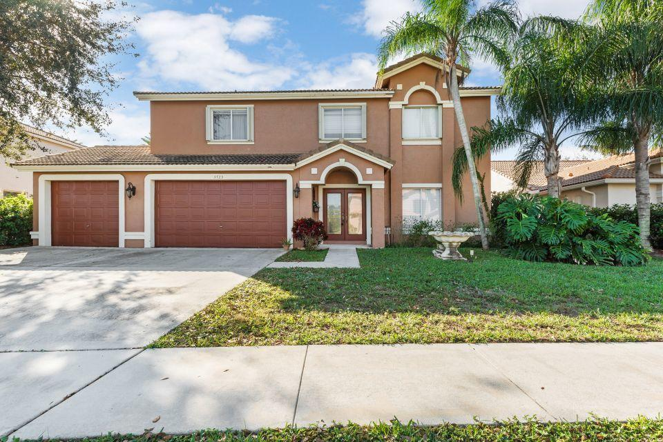 Home for sale in CYPRESS WOODS 1 Lake Worth Florida