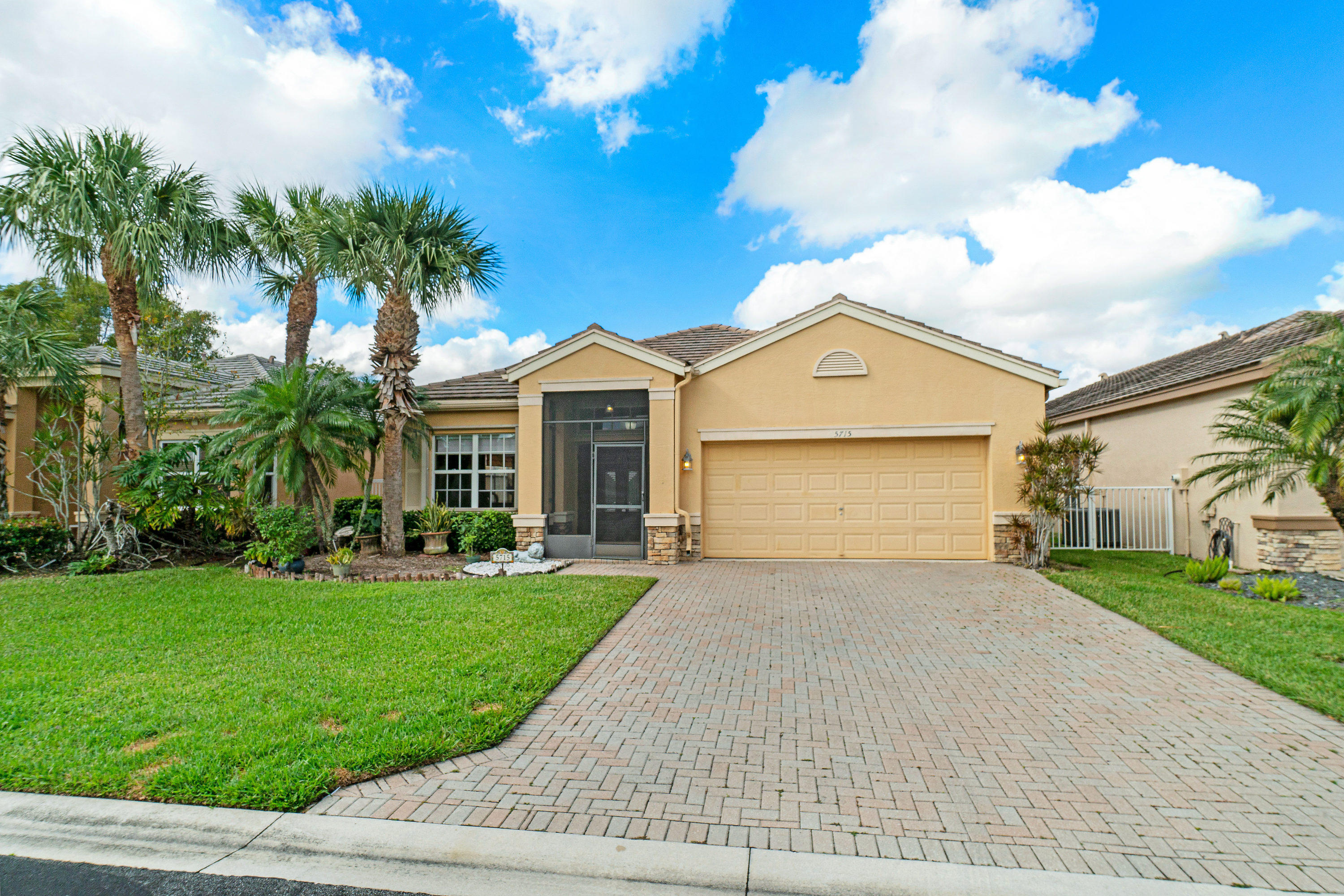 5715 Saddle Trail Lane - Lake Worth, Florida