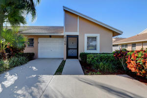 8156  Sweetbriar Way  For Sale 10594947, FL