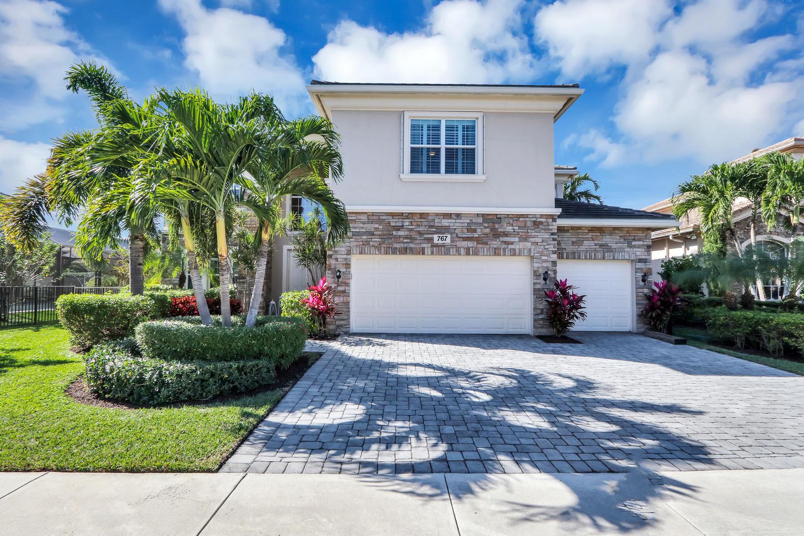 767 Edgebrook Lane West Palm Beach, FL 33411 photo 2