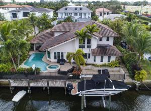 661 NE Lakeview Terrace  For Sale 10587997, FL
