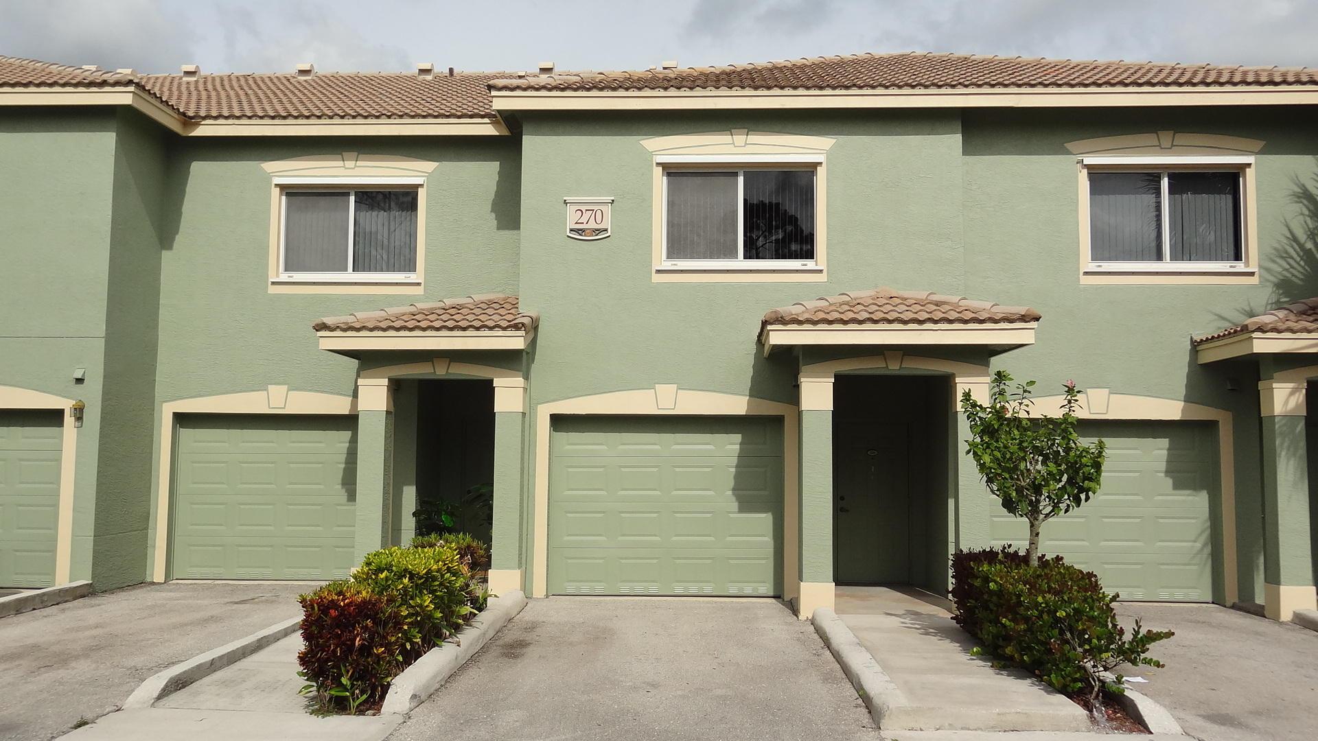 270 Crestwood Circle 203 Royal Palm Beach, FL 33411