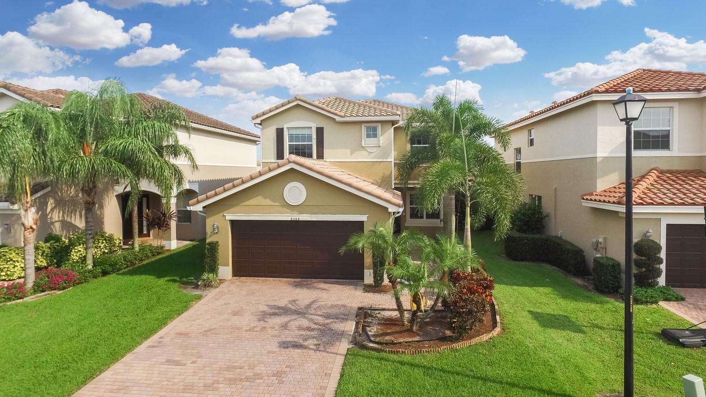 8268 Calabria Lakes Drive  Boynton Beach, FL 33473