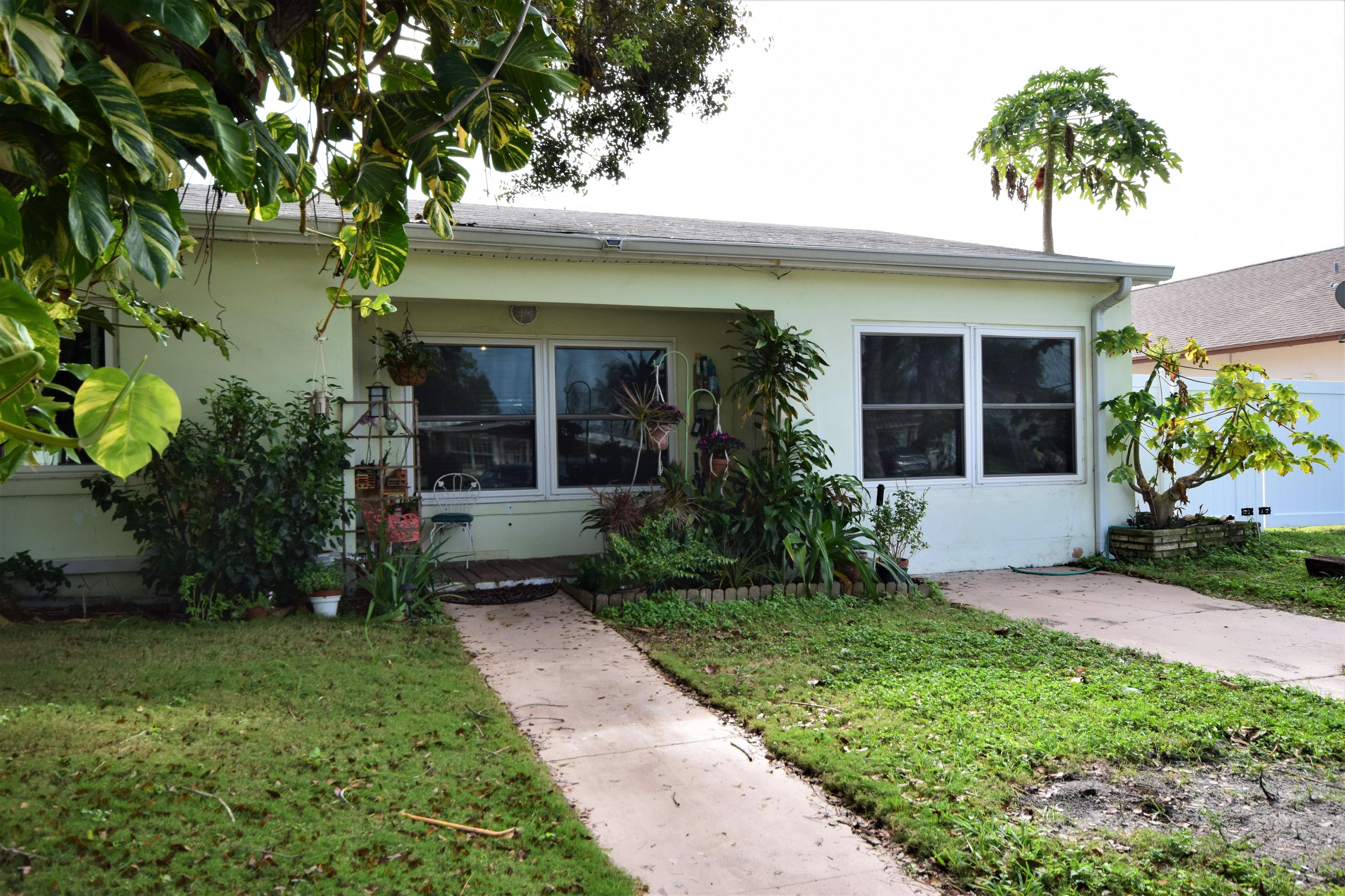 108 SW 12th Avenue Boynton Beach, FL 33435