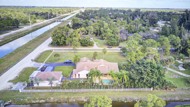 16790 E Jenny Lane The Acreage, FL 33470