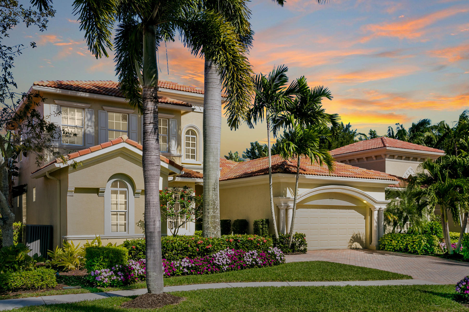 Home for sale in IBISGOLFANDCOUNTRYCLUB27 West Palm Beach Florida