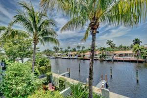2737 NE 1 Street  For Sale 10595507, FL