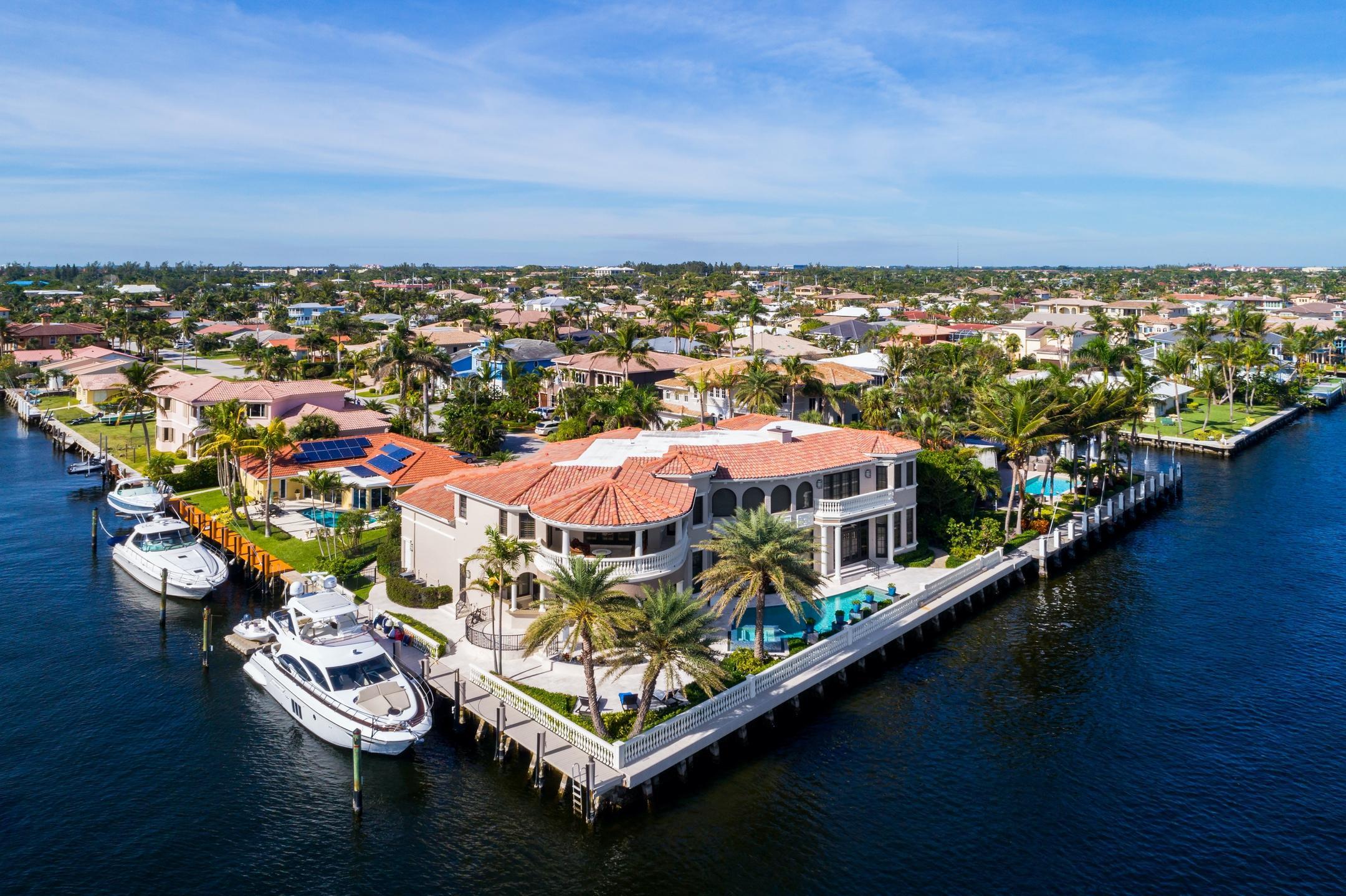 898 Glouchester Street Boca Raton, FL 33487 photo 5