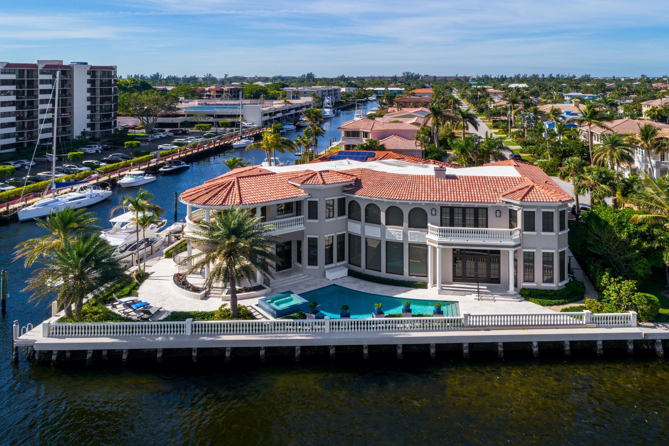 898 Glouchester Street Boca Raton, FL 33487 photo 6