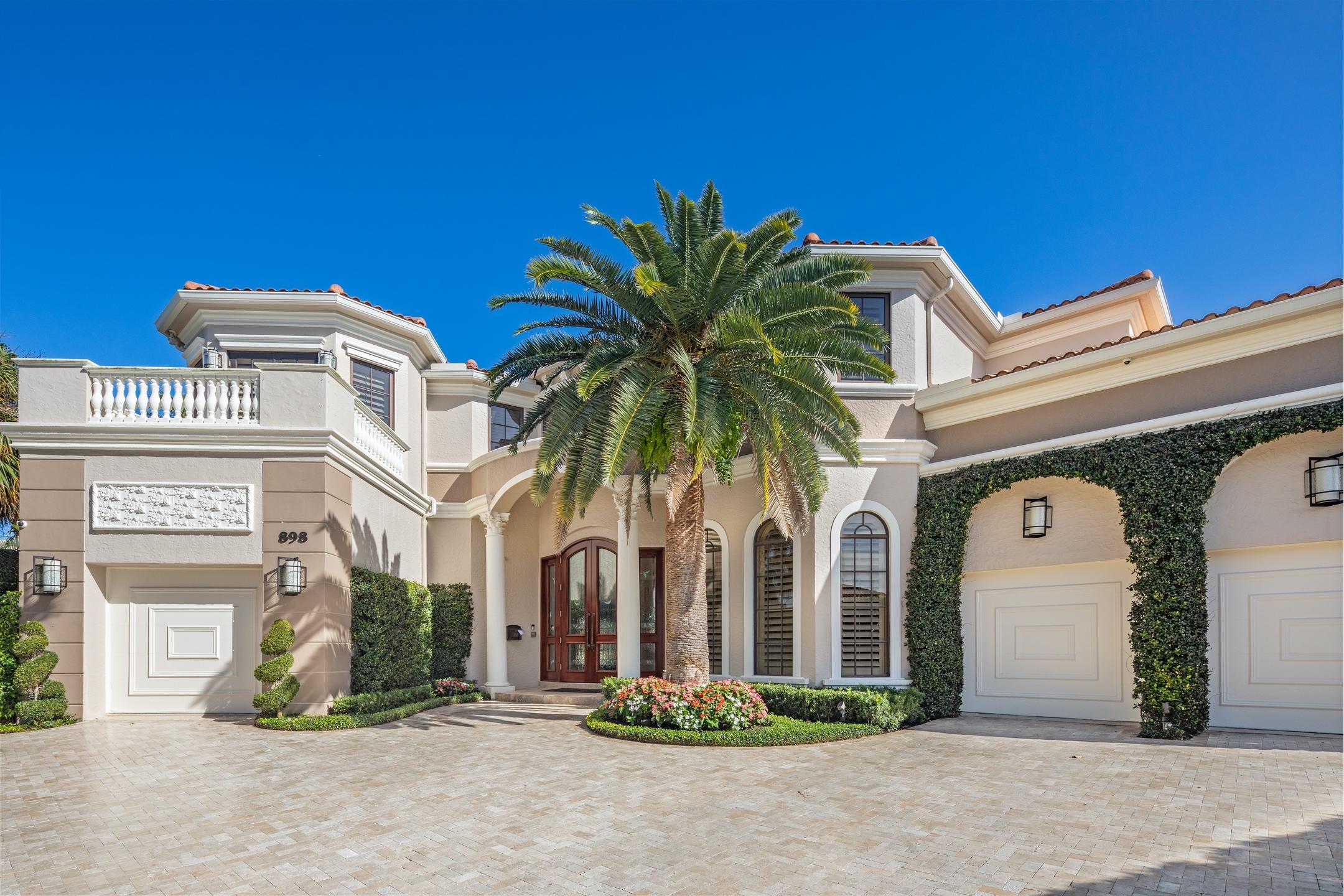 898 Glouchester Street Boca Raton, FL 33487 photo 3
