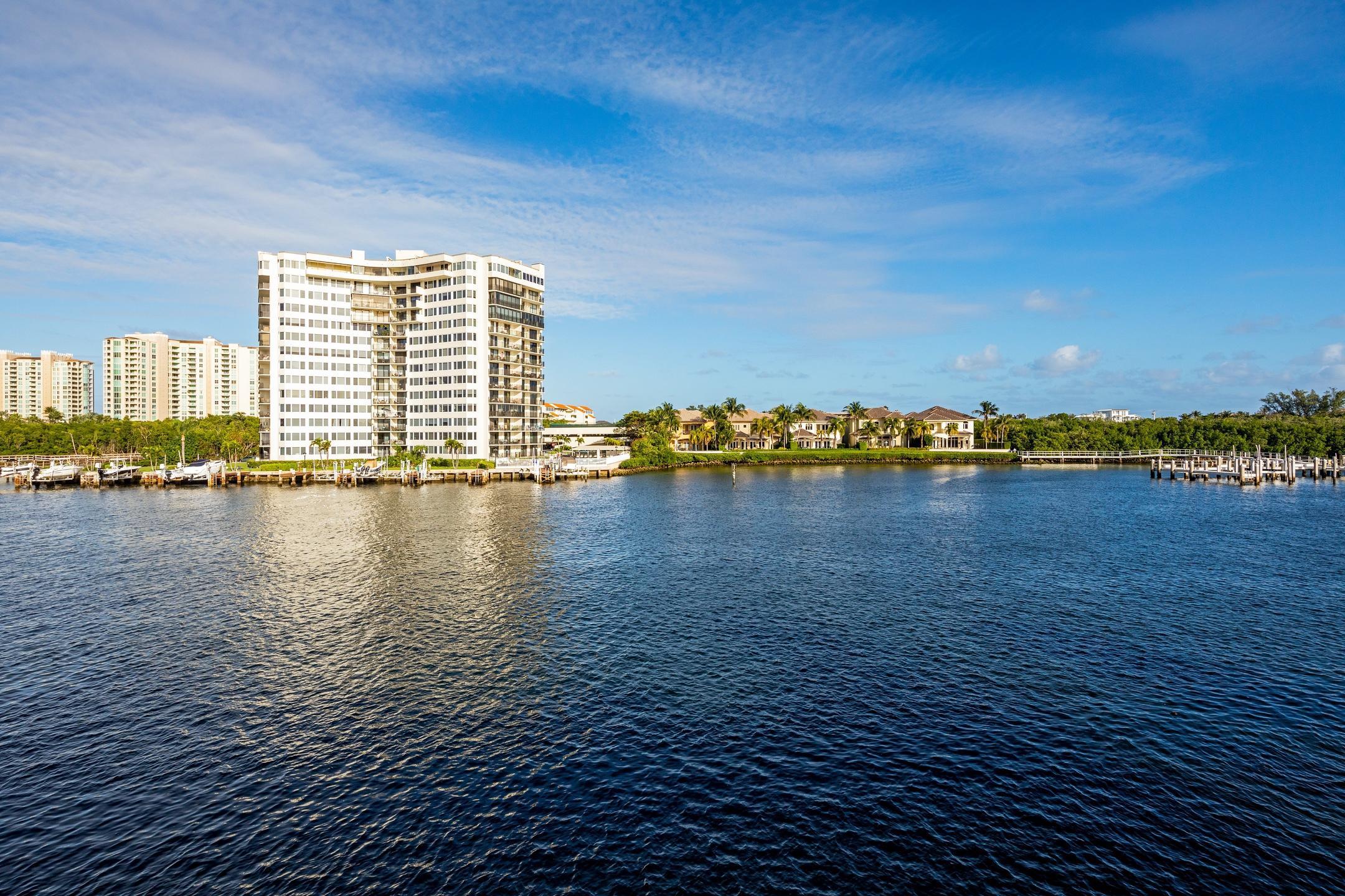 898 Glouchester Street Boca Raton, FL 33487 photo 55