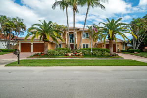A top builders personal home on the Intracoastal in the beautiful  neighborhood of North Palm Beach !!!This builder splurged on every detail beginning with a grand staircase entrance and 24ft ceilings.  What a way to make a statement as you enter this majestic property. Its entirely open concept gives you endless views from your perfect waterfront entertainment oasis all the way to the intercoastal waterways !  With its marble floors, custom moldings, master chef kitchen and top of the line appliances, nothing was left out to enhance the feeling of absolute luxury.  With a distance of 5 minutes to the ocean and no fixed bridges,  location does not get any better !