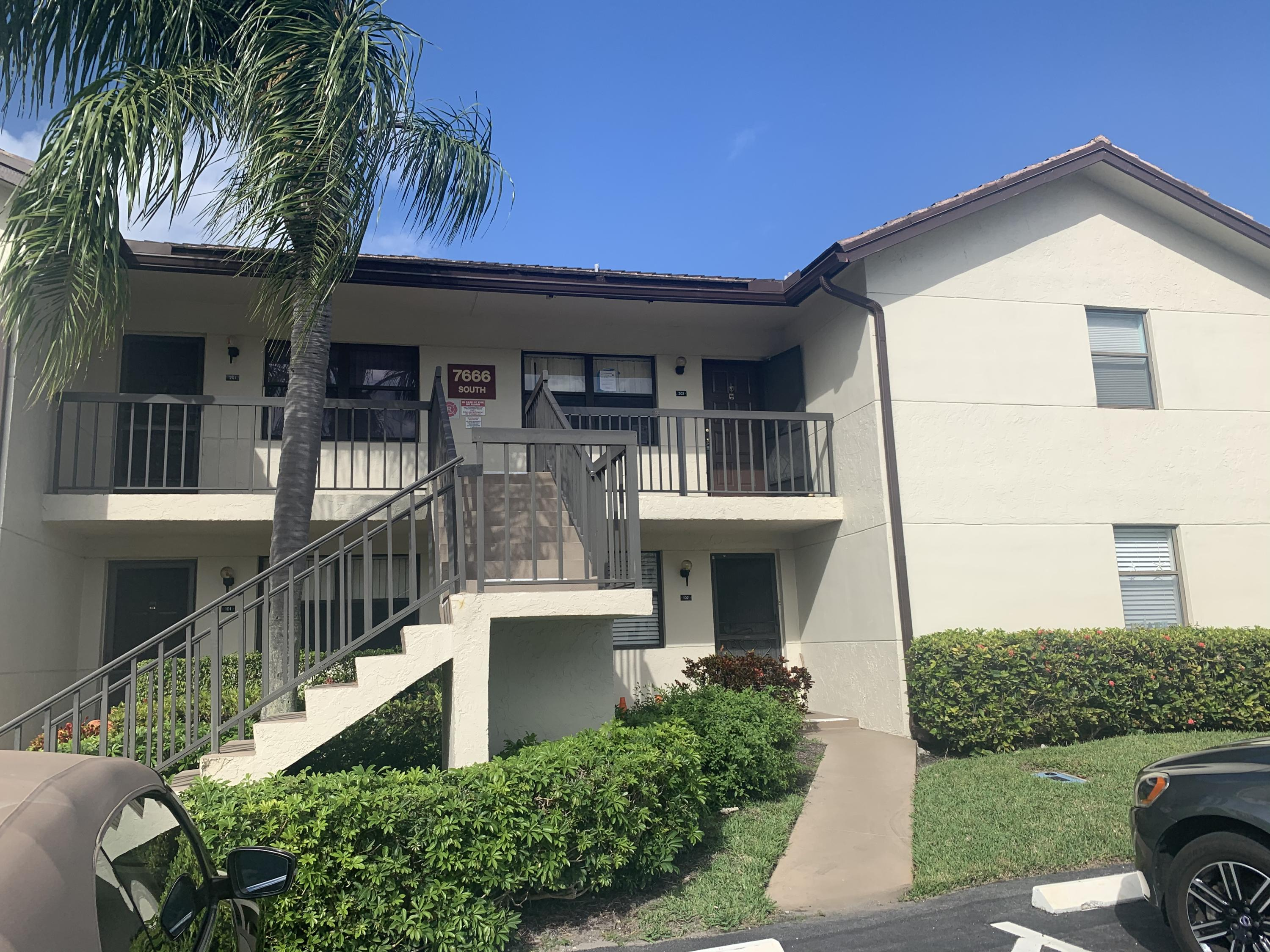 Home for sale in LUCERNE POINTE ONE,TWO,THREE FOUR,SEVEN,EIGHT,NINE Lake Worth Florida