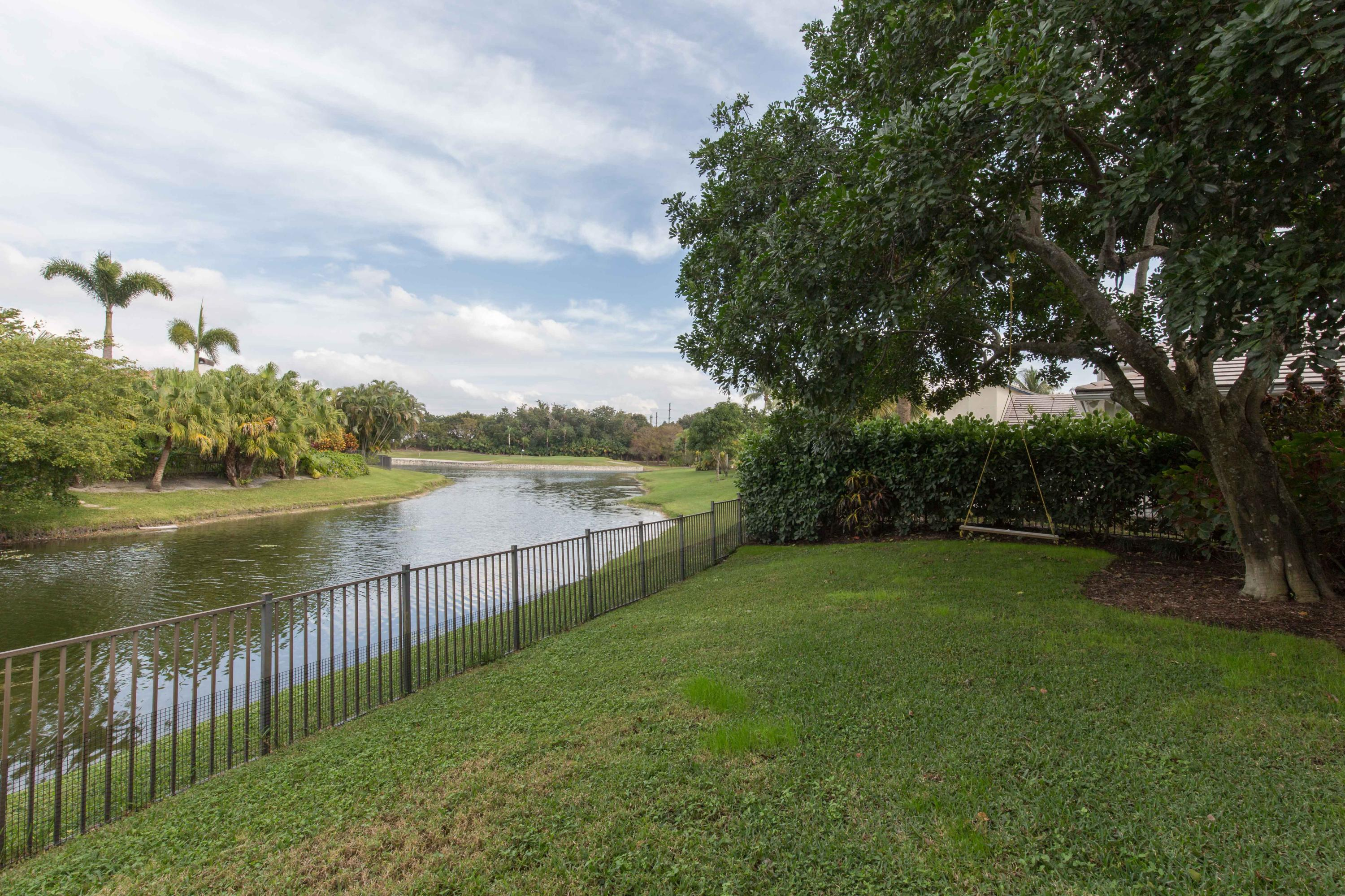 11167 Isle Brook Court Wellington, FL 33414 photo 3