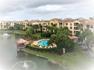 600  Uno Lago Drive 404 For Sale 10529571, FL