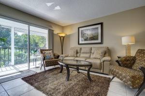 7286  Huntington Lane 305 For Sale 10598186, FL