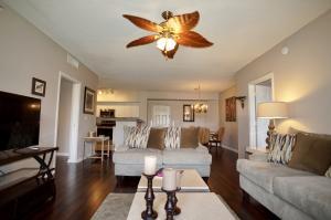 11750  Saint Andrews Place 103 For Sale 10597776, FL