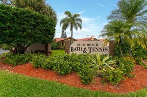 Palm Beach Bath & Tennistropical Lakes P