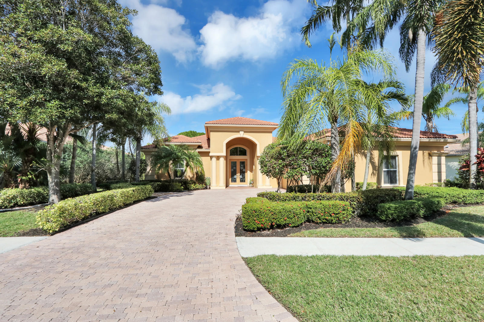 9020 Lakes Boulevard, West Palm Beach, Florida 33412, 3 Bedrooms Bedrooms, ,3 BathroomsBathrooms,A,Single family,Lakes,RX-10597976