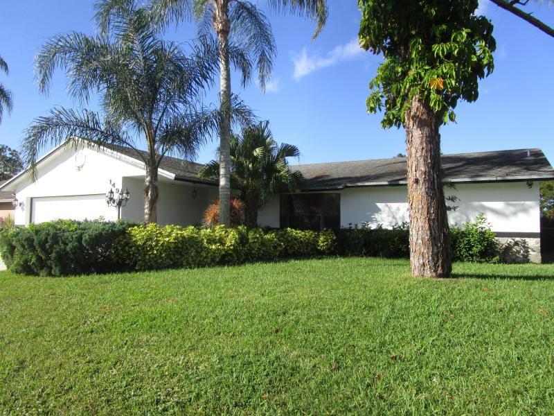 149 Sunflower Circle Royal Palm Beach, FL 33411