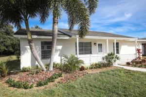 433 SE Oakridge Drive  For Sale 10598233, FL