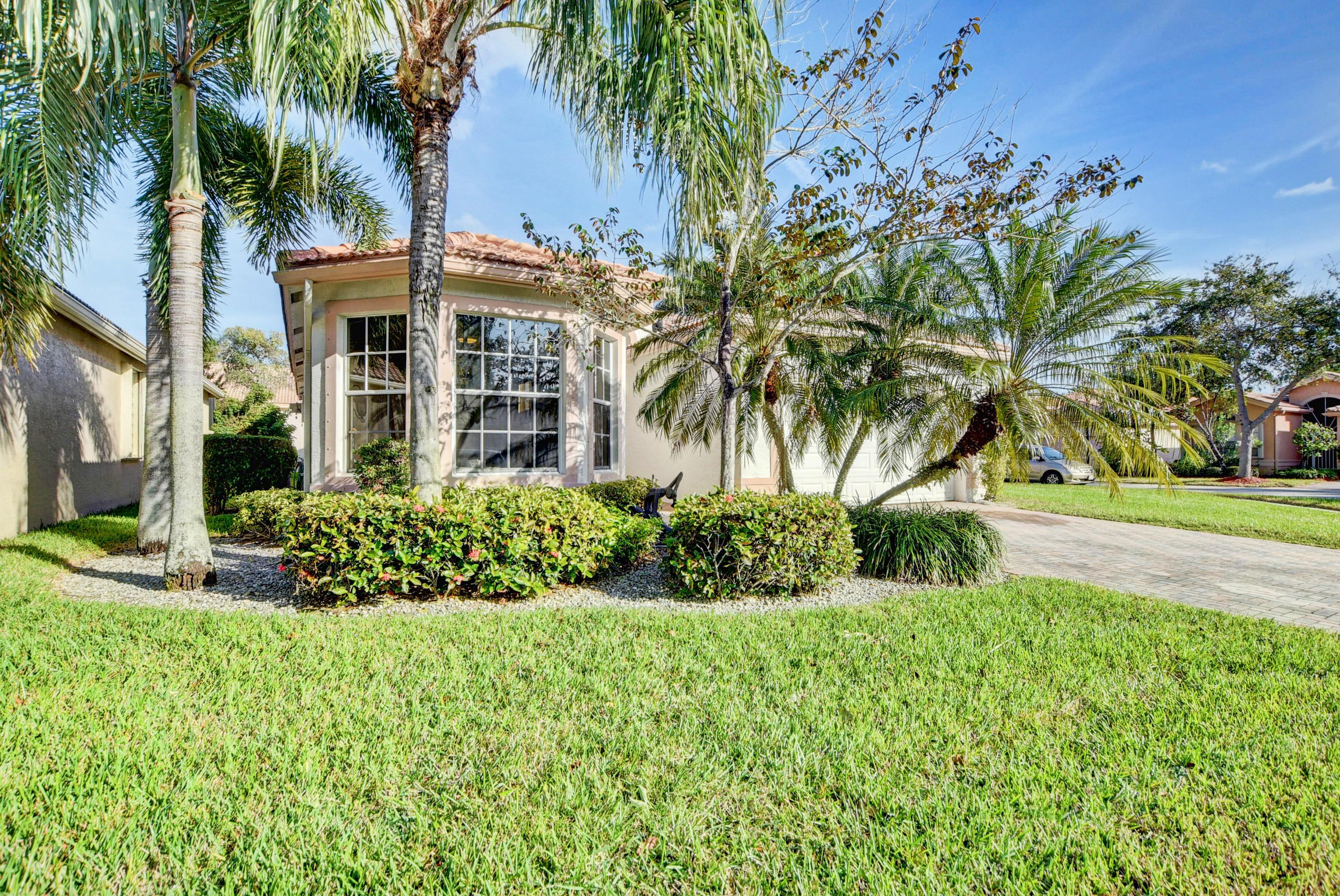 7582 Pebble Shores Terrace Lake Worth, FL 33467