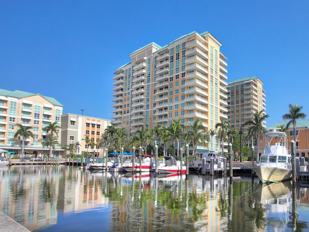 625 Casa Loma Boulevard, 907 - Boynton Beach, Florida