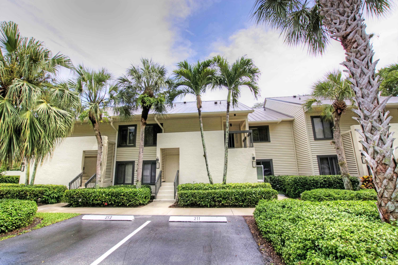 5192 Club Way 211, Stuart, Florida 34997, 2 Bedrooms Bedrooms, ,2 BathroomsBathrooms,A,Condominium,Club,RX-10598456