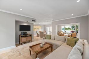 2576  Muirfield Court  For Sale 10598736, FL