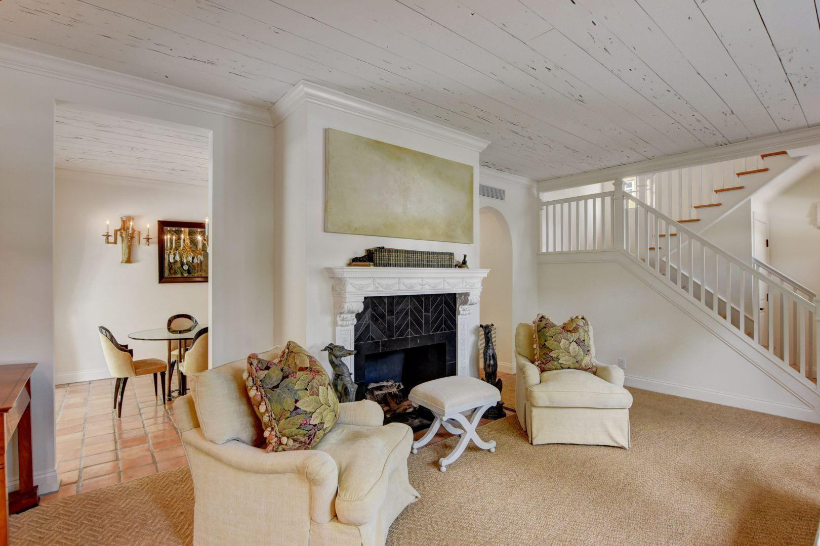 36_Living Room 3