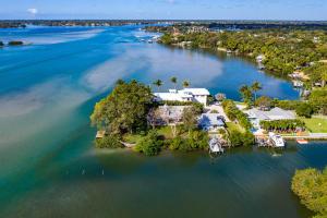 50 E Riverside Drive Drive  For Sale 10598826, FL