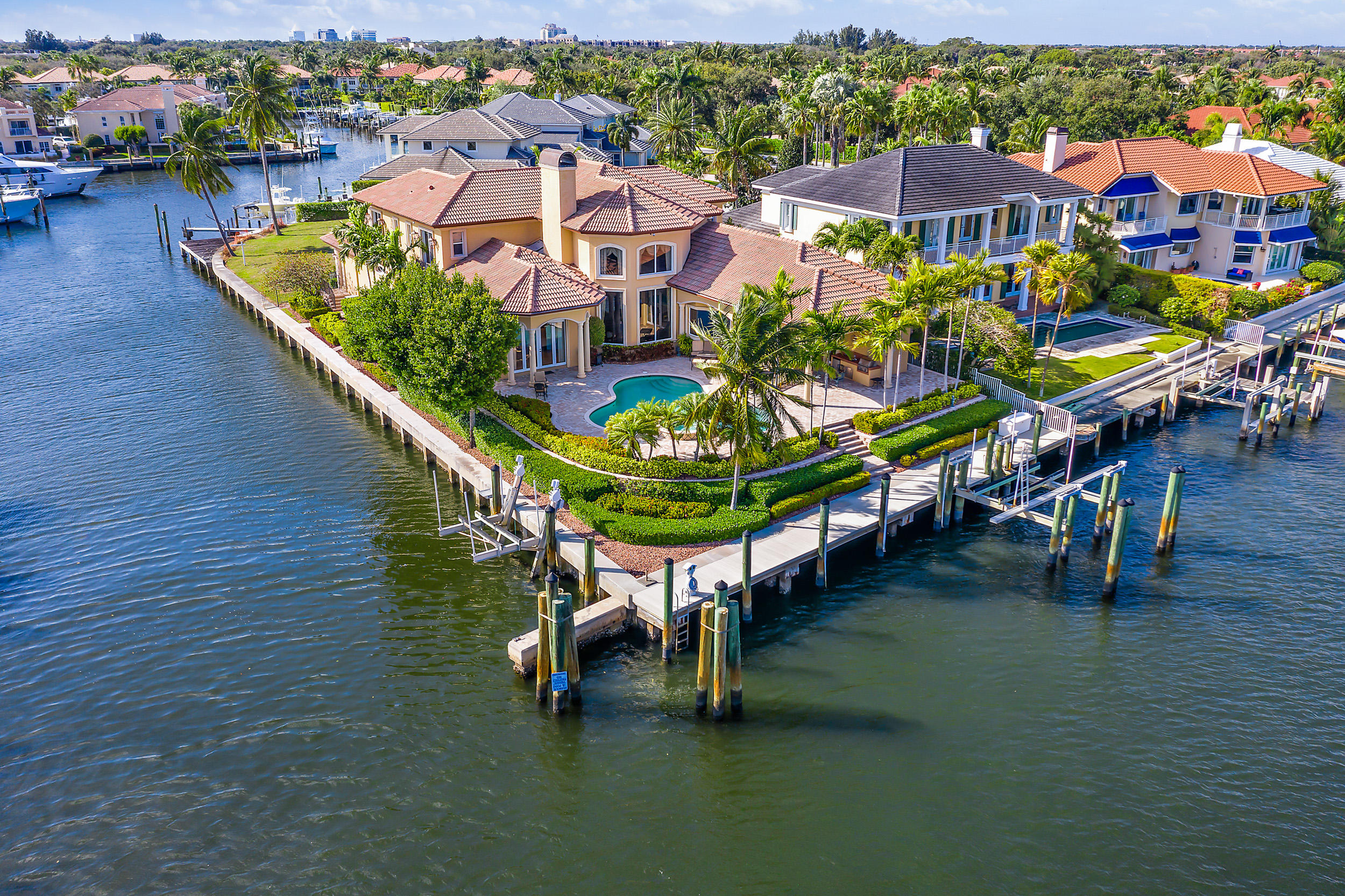 713 Harbour Point Drive, North Palm Beach, Florida 33410, 4 Bedrooms Bedrooms, ,4.1 BathroomsBathrooms,A,Single family,Harbour Point,RX-10599799