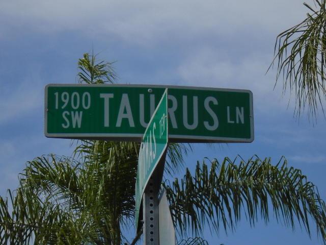 1985 Taurus Lane Sw