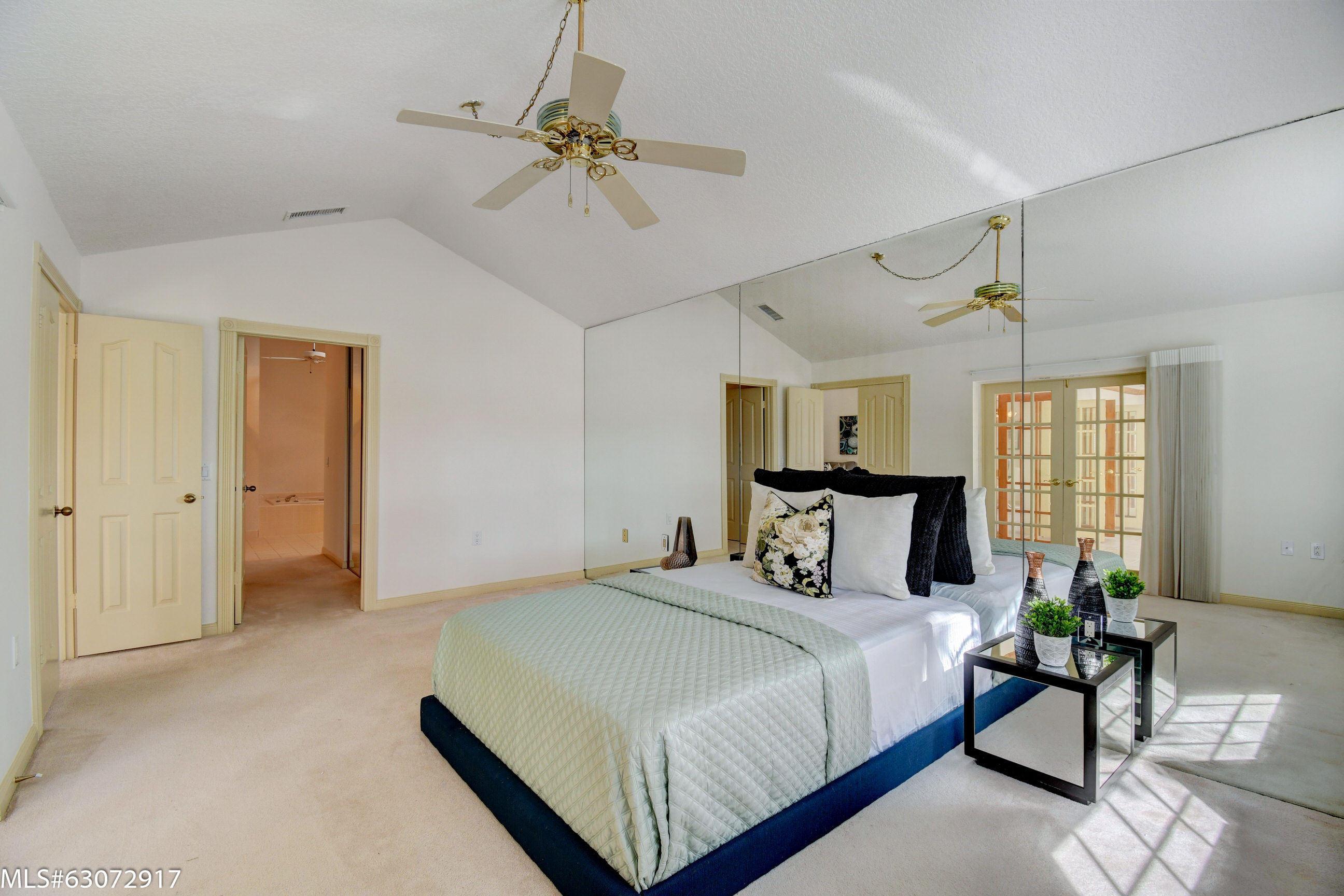 Owners' Quarter with En Suite Bath