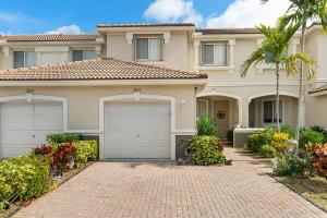 2031  Oakhurst Way  For Sale 10599111, FL