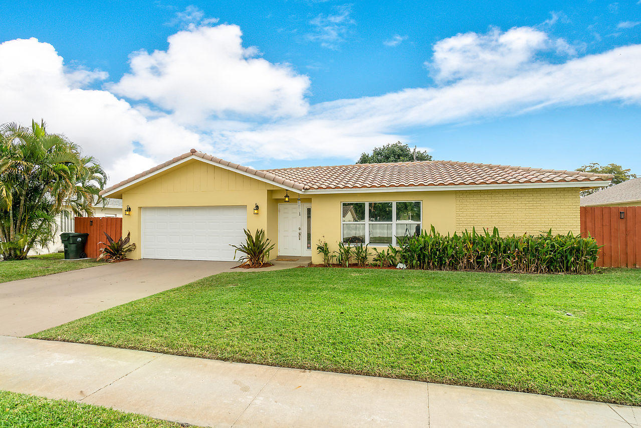 125 Orchard Ridge Lane  Boca Raton FL 33431