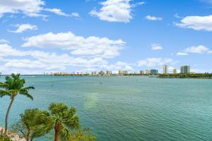 2640  Lake Shore Drive 415 For Sale 10599208, FL