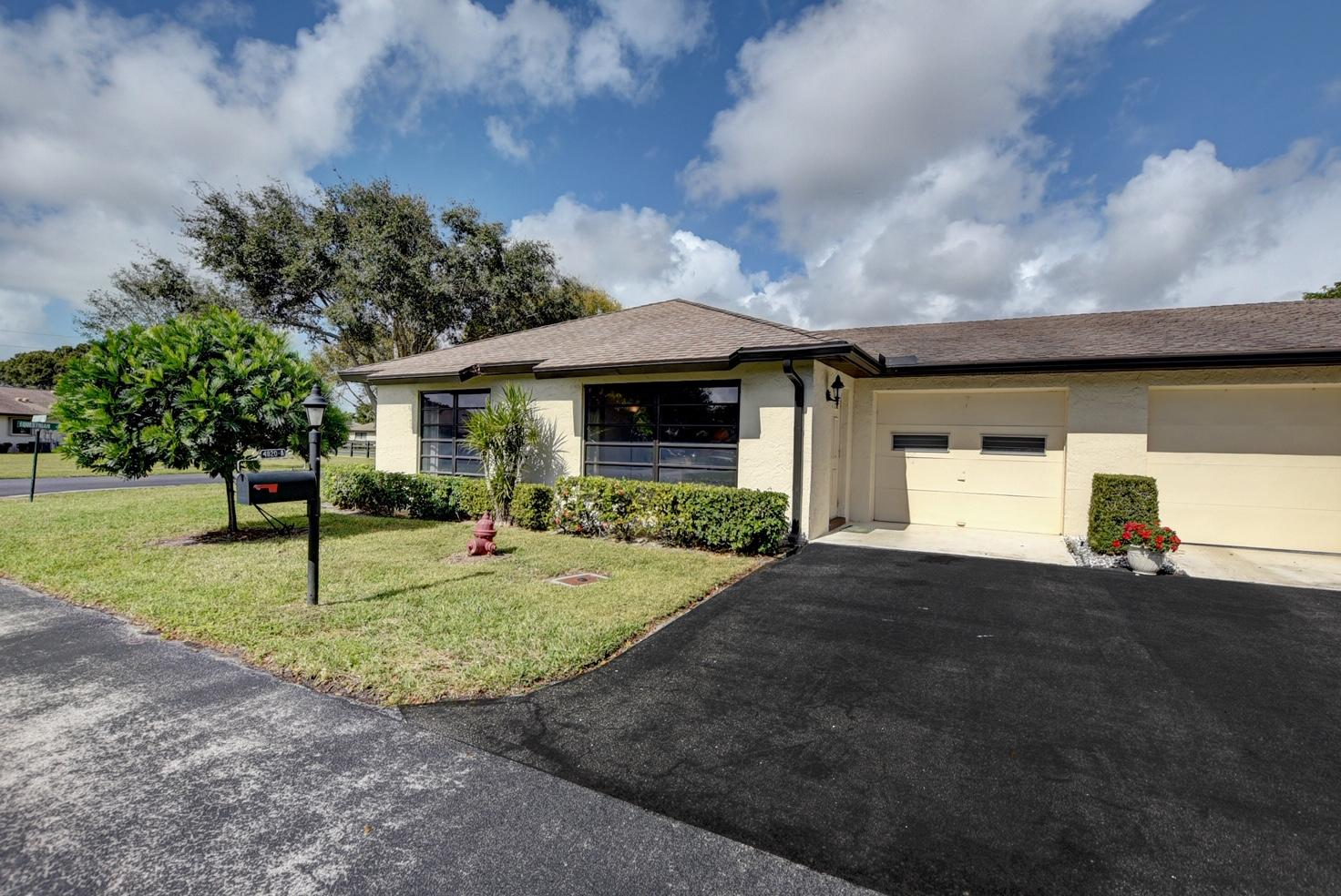 Home for sale in Greentree Boynton Beach Florida