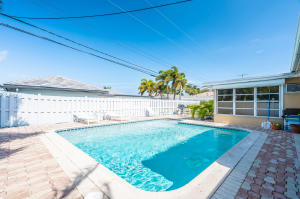 2741 NE 45th Street  For Sale 10589953, FL