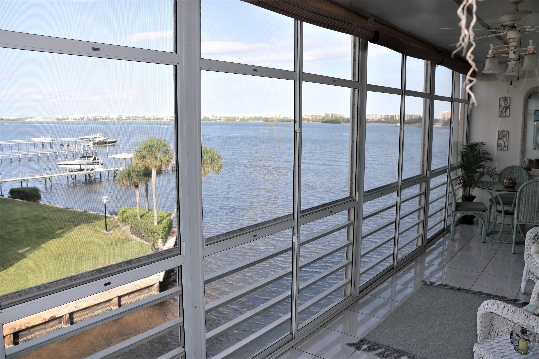 100 Waterway Drive, 405 - Lantana, Florida