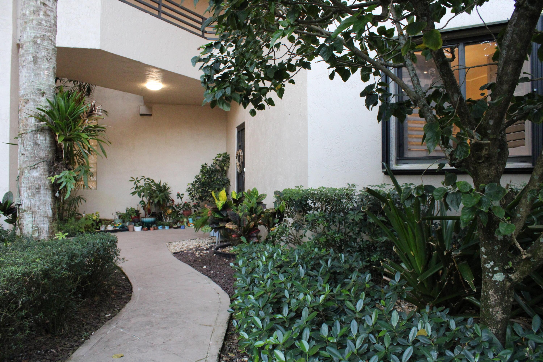 7546 La Paz Boulevard 108  Boca Raton FL 33433