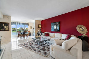 5842  Crystal Shores Drive 303 For Sale 10599732, FL