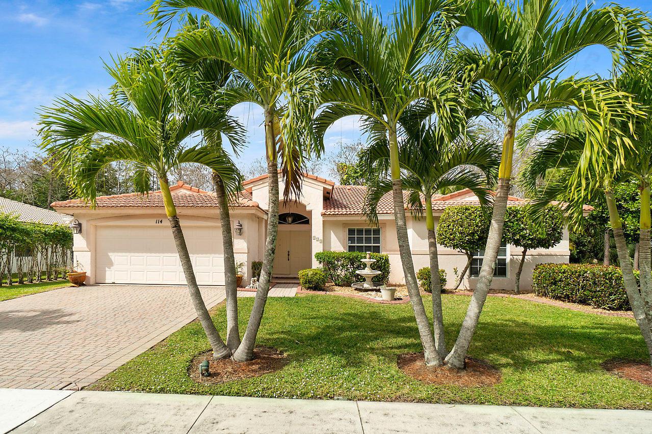 114 Chestnut Circle Royal Palm Beach, FL 33411 photo 2