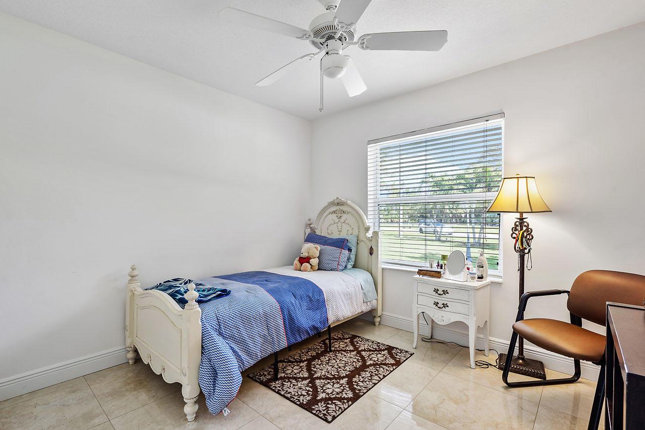114 Chestnut Circle Royal Palm Beach, FL 33411 photo 8