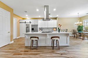 39  Lancaster Road  For Sale 10600367, FL