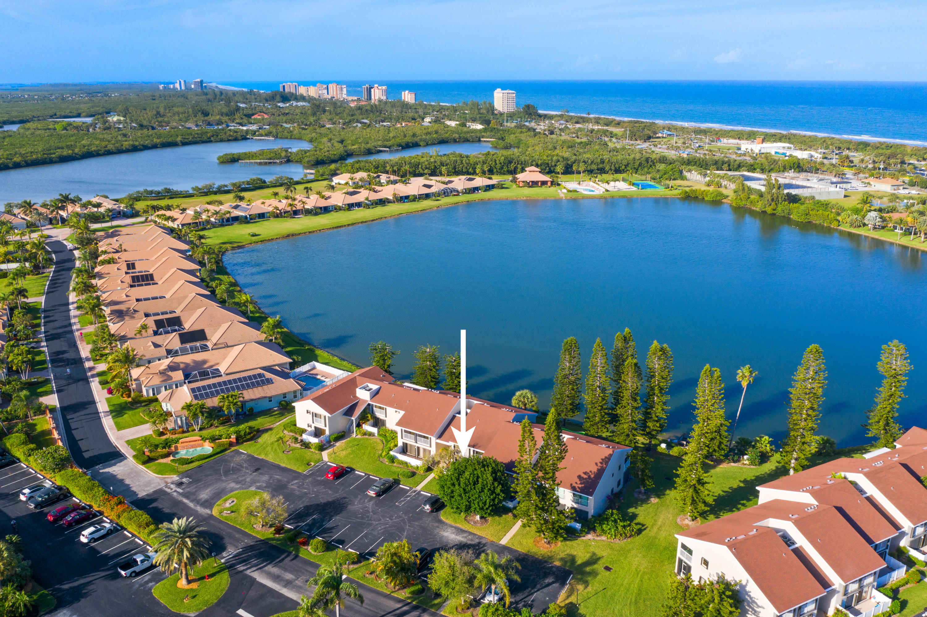3218 Lakeview Hutchinson Island 34949