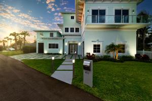 451 S Juno Lane  For Sale 10588285, FL