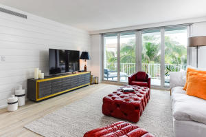 100  Worth Avenue 404 For Sale 10594262, FL