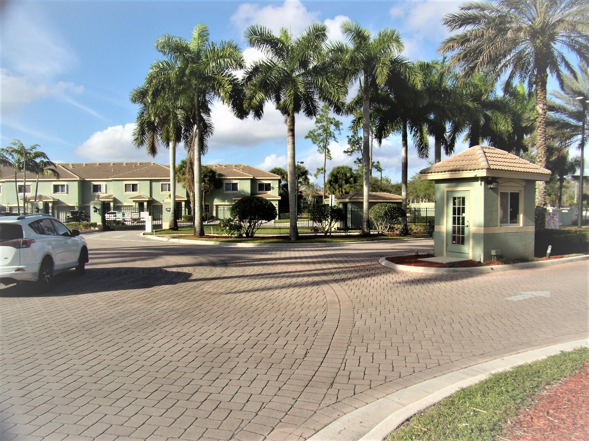 340 Crestwood Circle 101 Royal Palm Beach, FL 33411